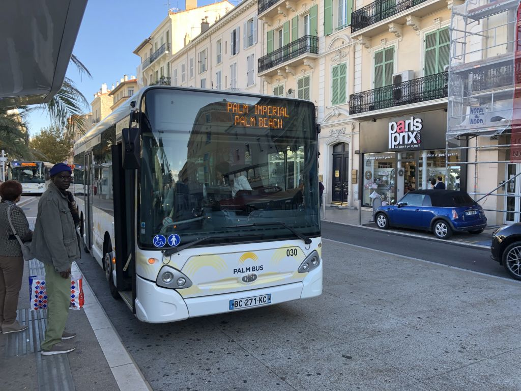 Palm Bus 030 Cannes